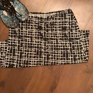 New York & Co Polyester print skirt Large